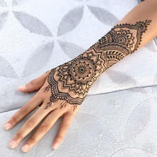 Omaha Henna Tattoo Artist (1).jpg