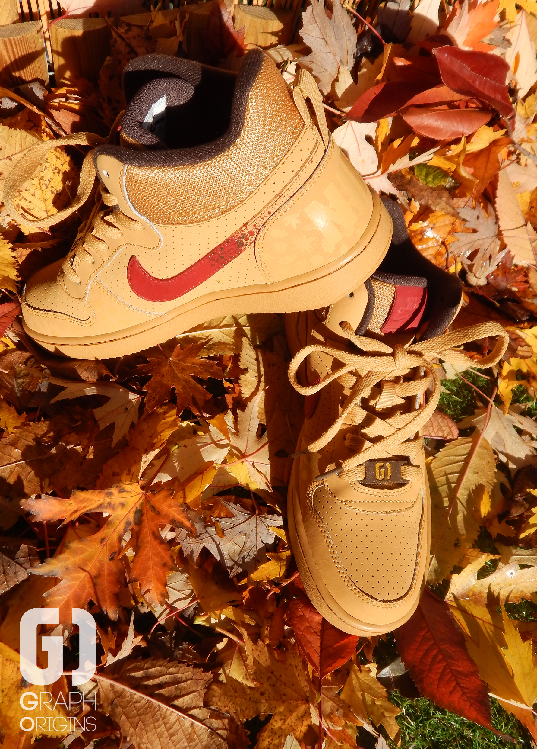 Custom baskets montantes Nike court borough mid autumn leaves graph origins 4