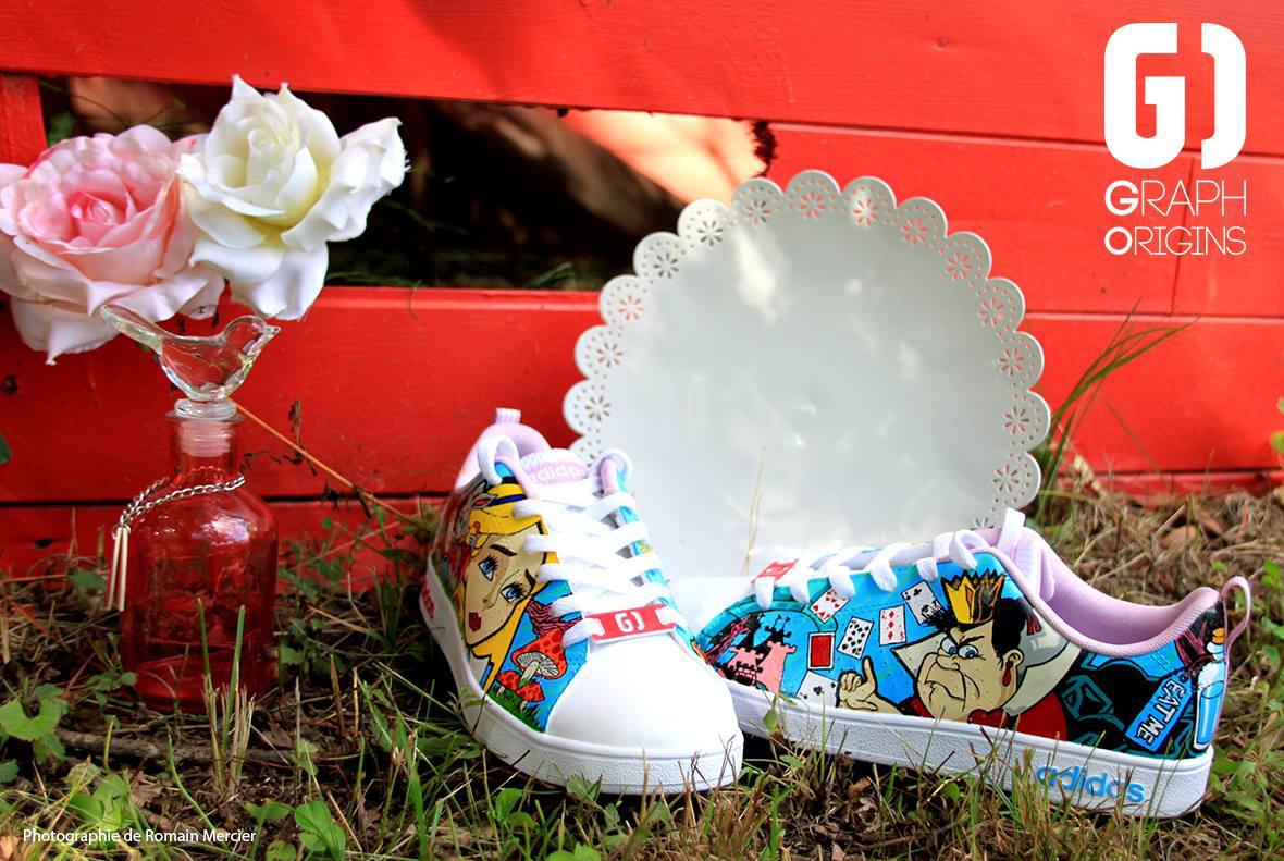 Custom chaussures adidas neo alice au pays des merveillse graph origins