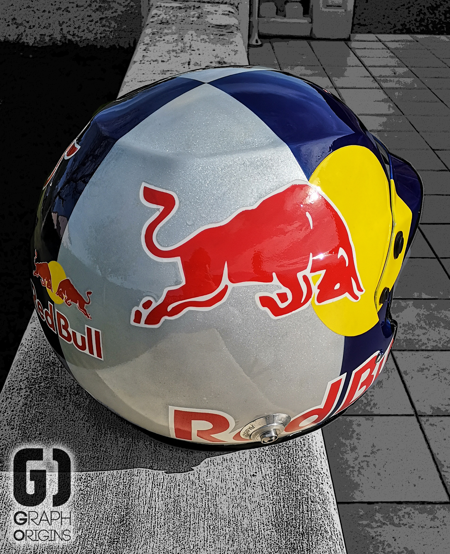 Casque Red Bull custom graph origins 2