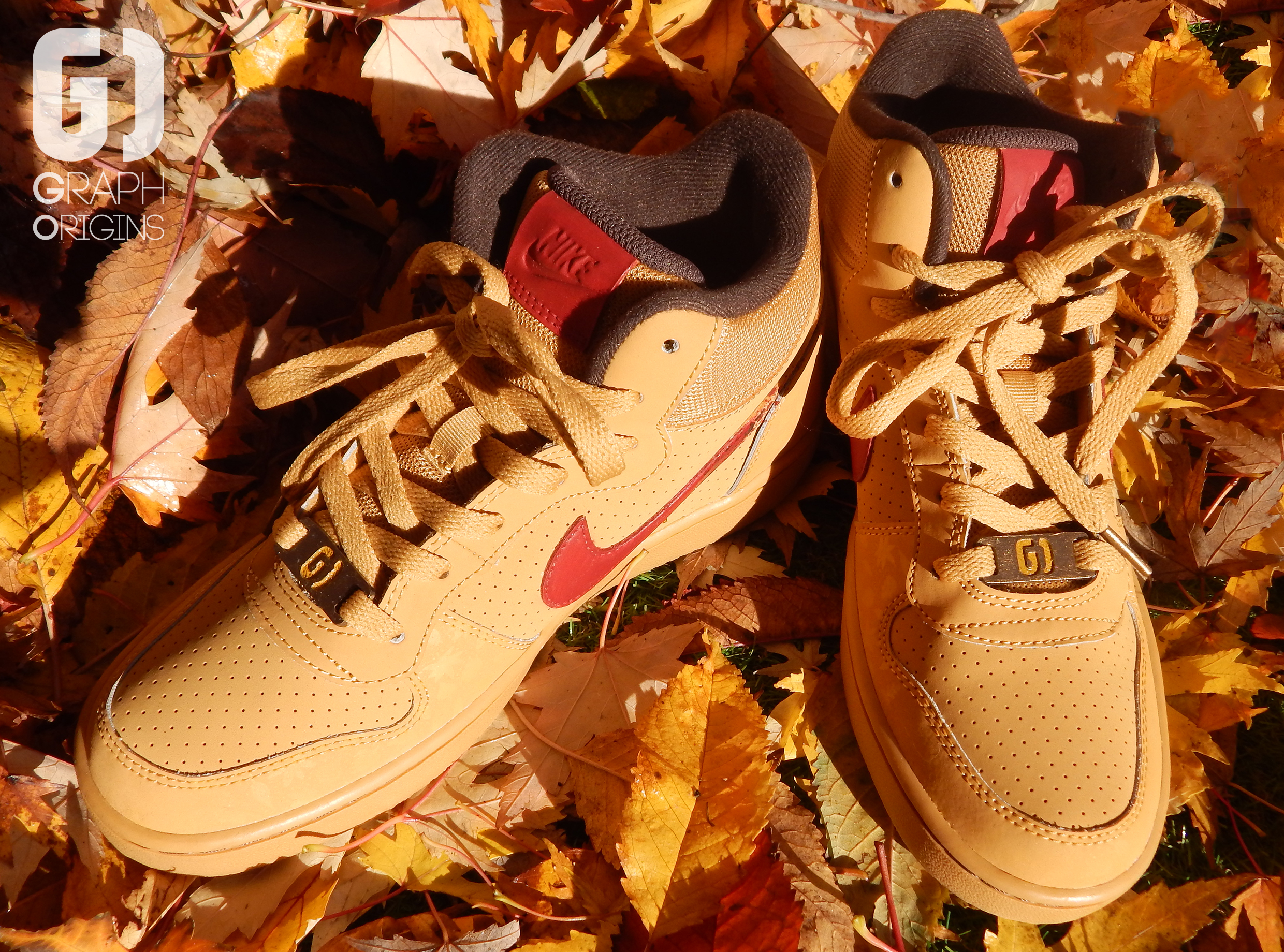 Custom baskets montantes Nike court borough mid autumn leaves graph origins 3