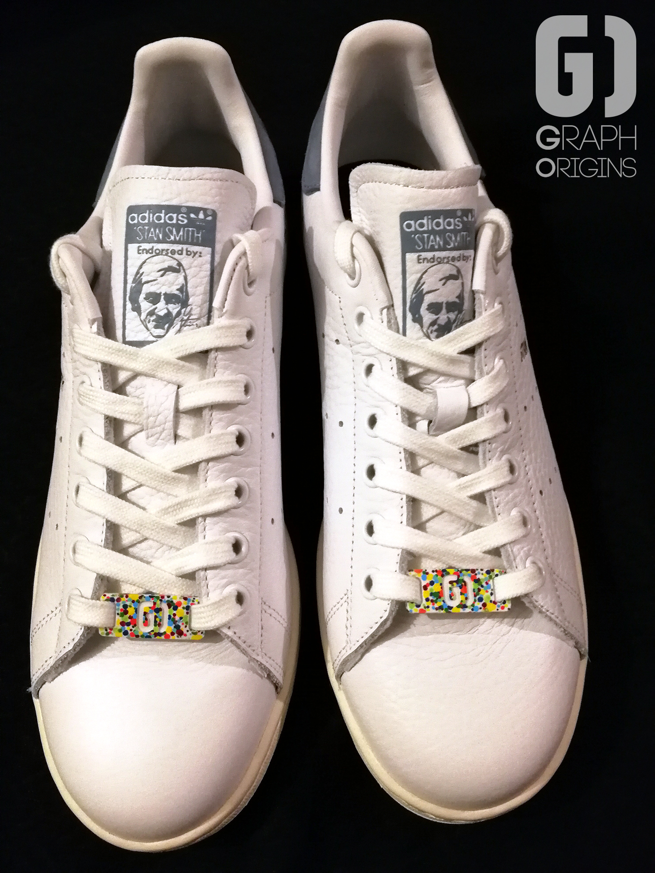 Custom baskets adidas Stan Smith Feliz Cumple graph origins 6