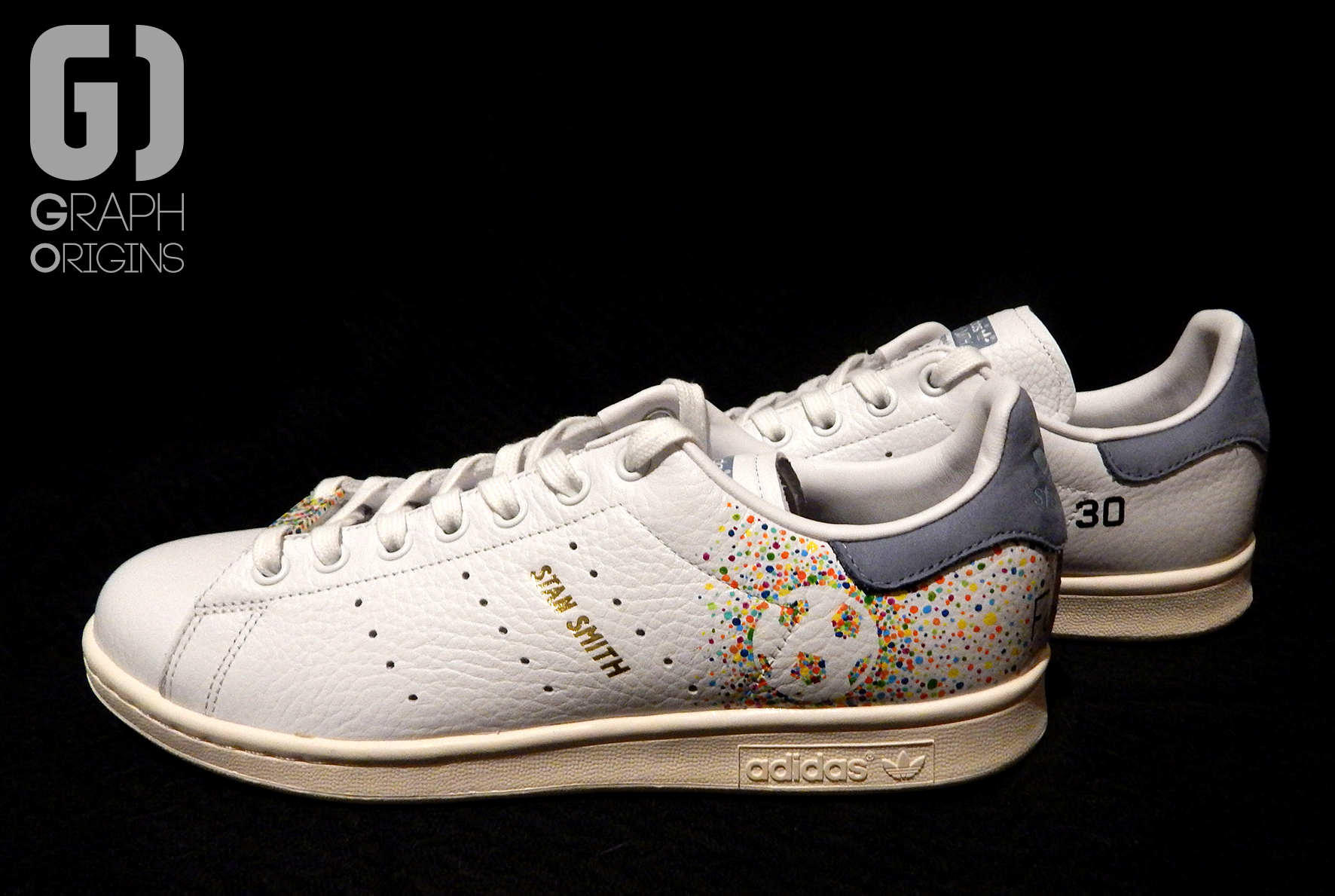 Custom baskets adidas Stan Smith Feliz Cumple graph origins 1