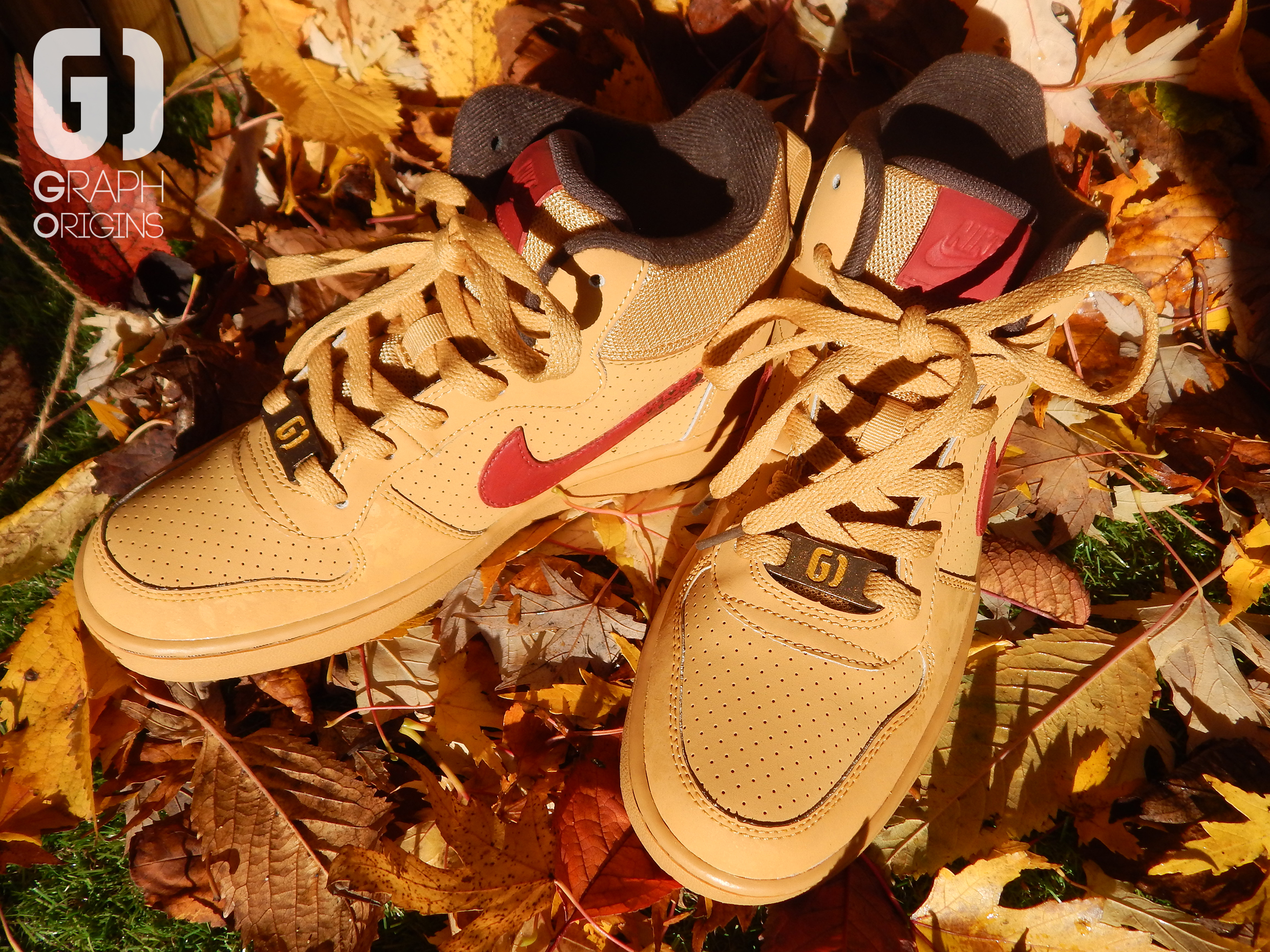 Custom baskets montantes Nike court borough mid autumn leaves graph origins 6