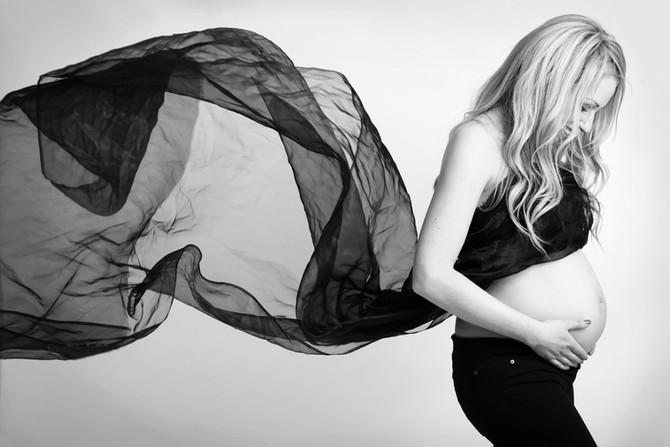 Zwangerschap en newbornshoot Liv