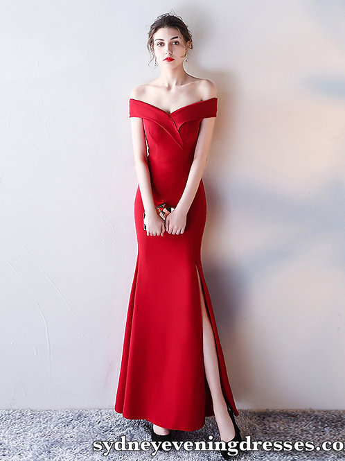 Alexa Off The Shoulder Side Split Dress in Red