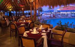 hotel-aquamarina-beach-cancun-restaurante-min