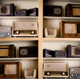 vintage-music-business-shop.jpg_auto=com