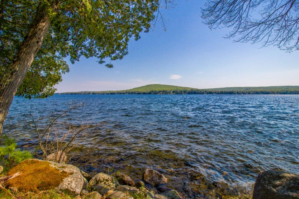 Maine Home Rental Lake View