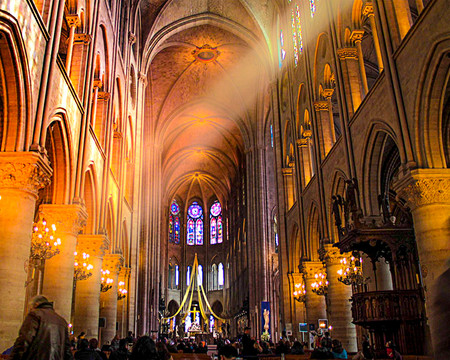 Notre Light -Art by Cristiano Chaussard