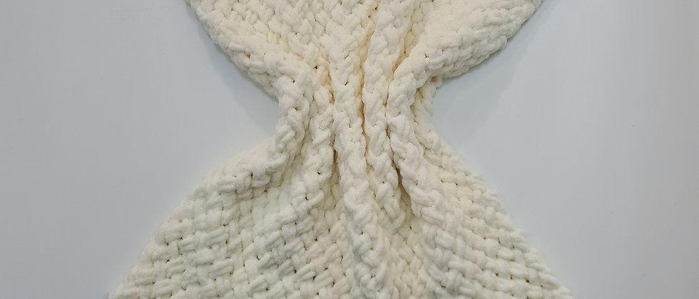 Soft white criss cross stroller blanket for babies