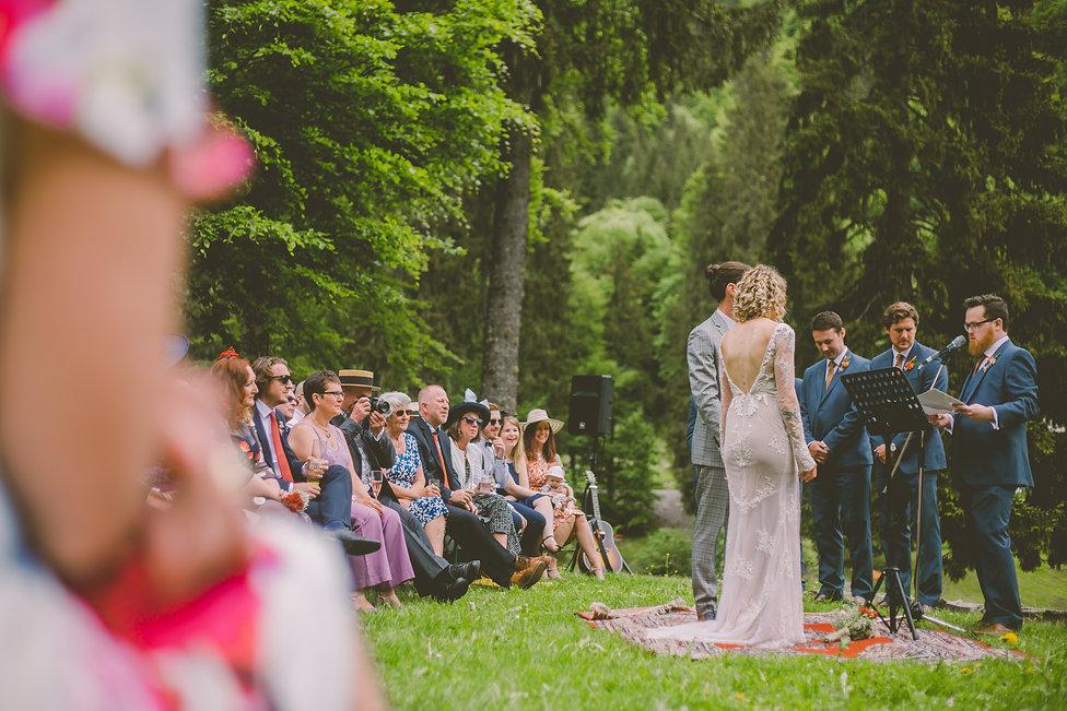 Wedding ceremony at Salle du Domaine du Baron Montriond
