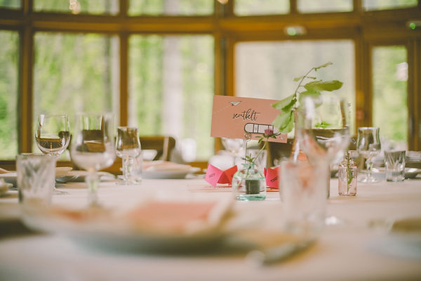 Wedding table set-up at the Domaine du Baron
