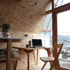 Uso Escritorio. Mesa y silla soroche de los andes © Andrés Villota