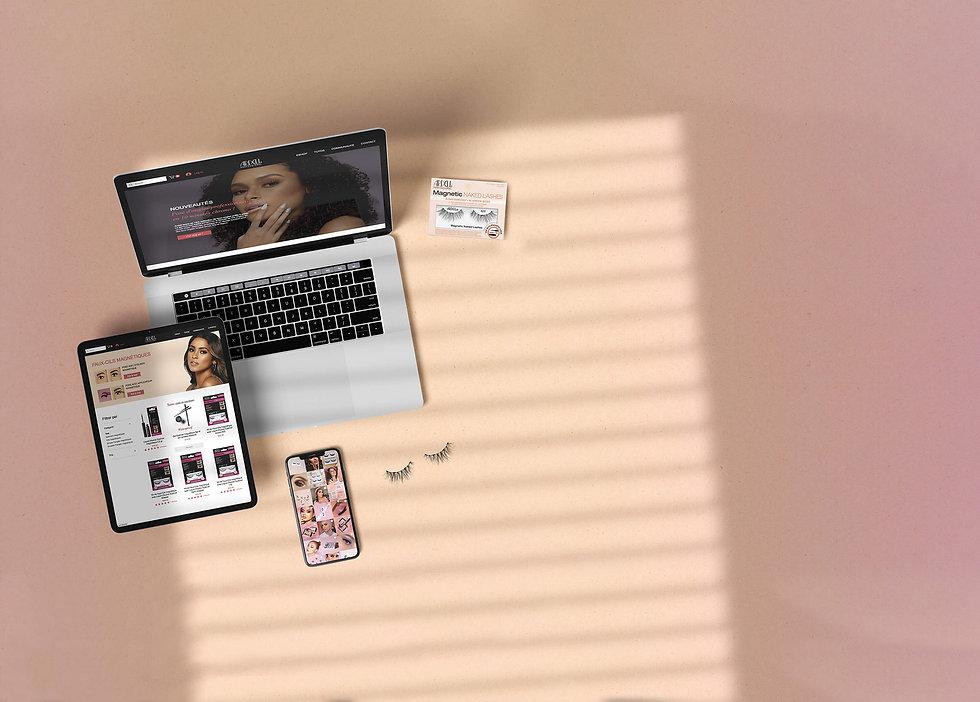 Free Device Mockup - Top view2 copie.jpg