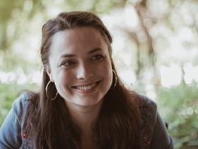 """""""Nekem mindig időbe telik, hogy megmutathassam: ki vagyok én valójában."""" – interjú Széles Flórával"""