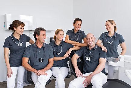 Dr. Ezzat Daher רופא שיניים נצרת