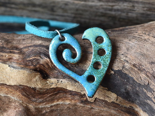 Curly heart pendant - green and blue