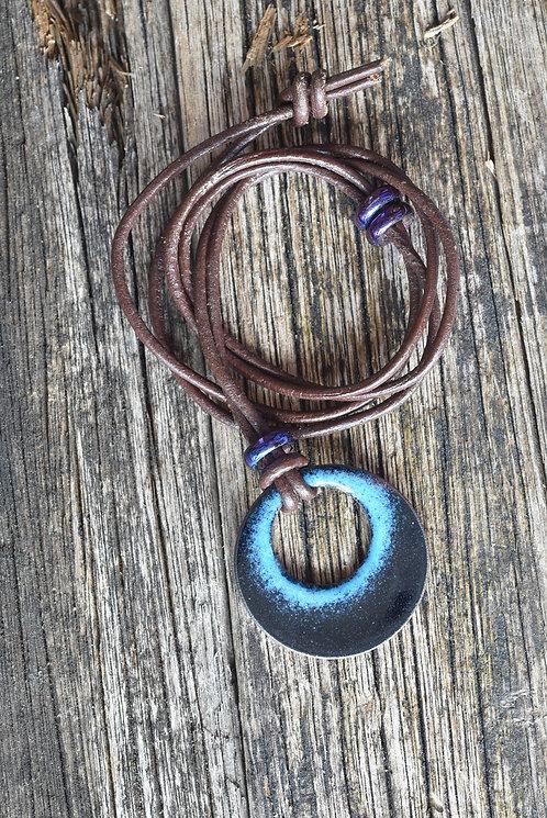 Open circular pendant - midnight blue