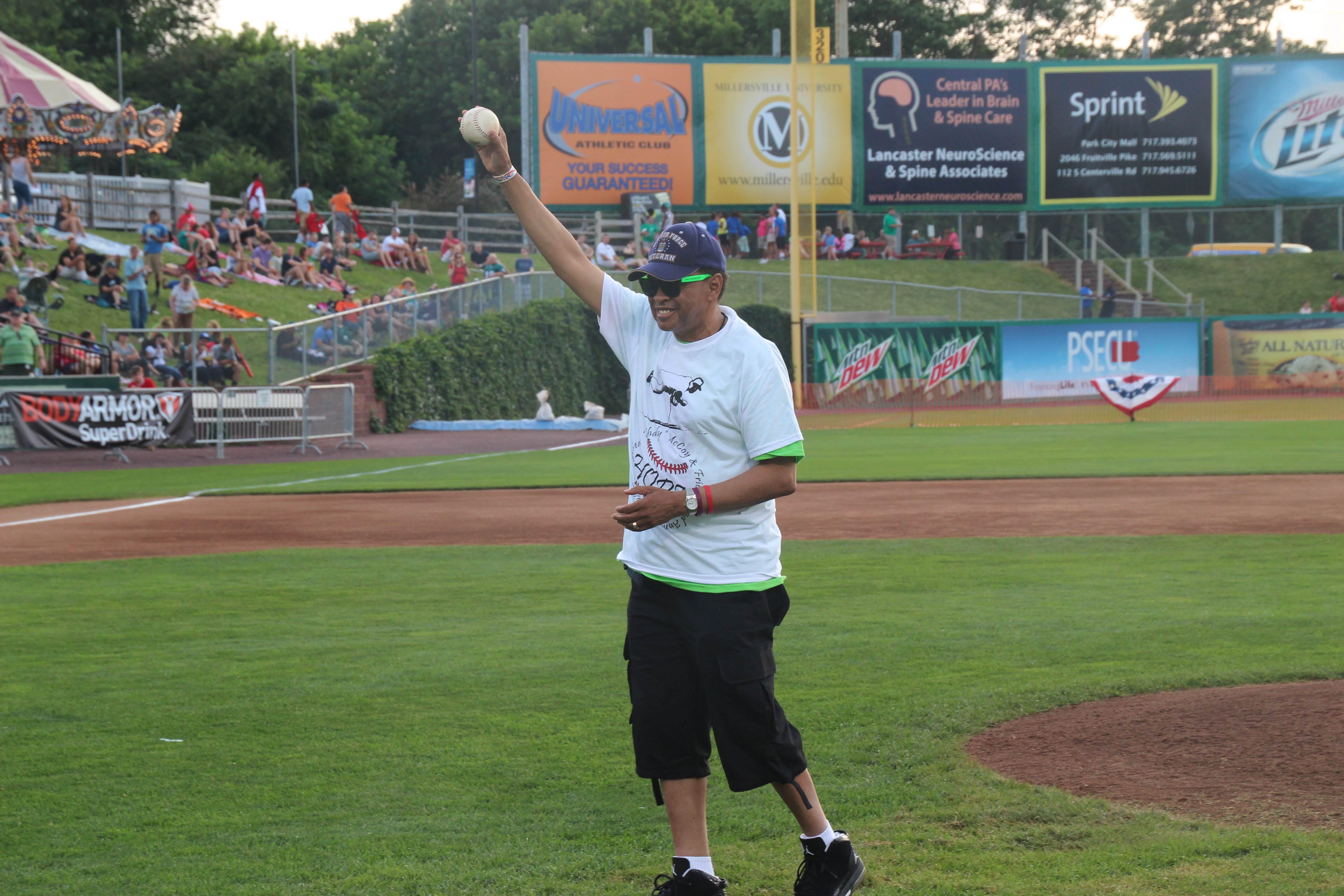 LeSean McCoy 2013 Charity Softball Game 31.jpg