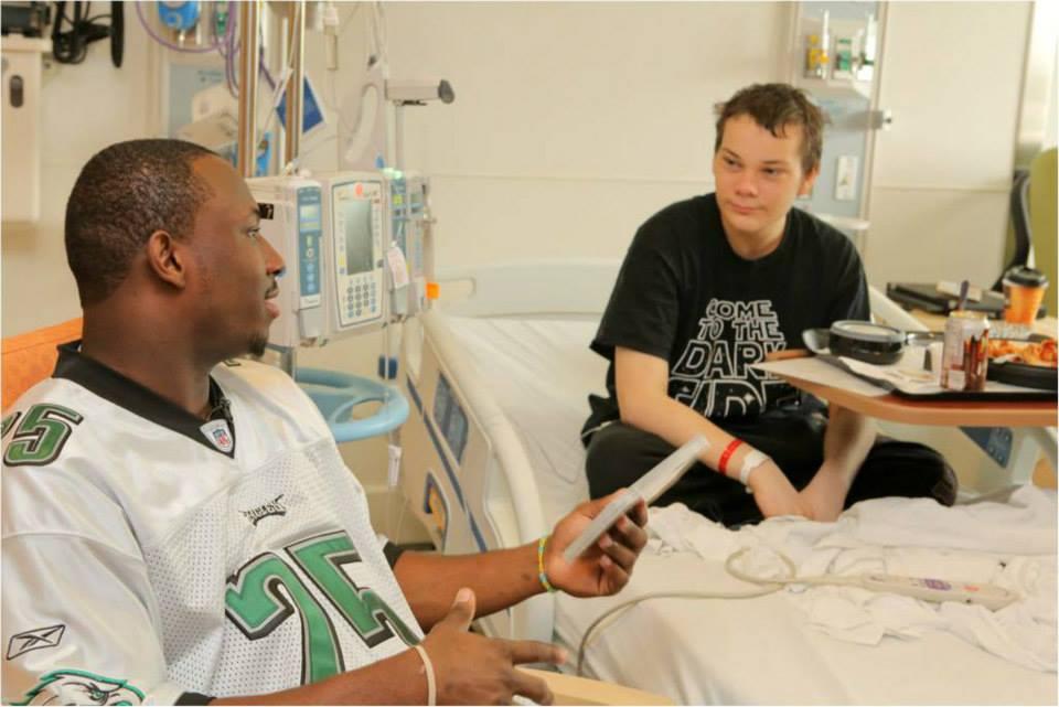 LeSean McCoy 2013 PS Hershey Hospital Visit  6.jpg