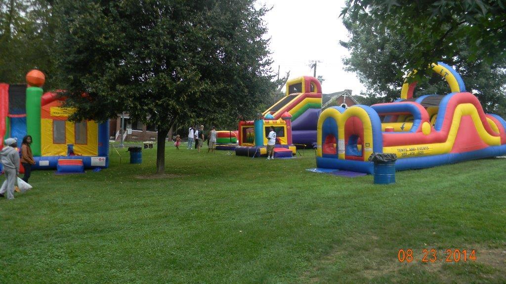 LeSean McCoy 2014 Community Day 3.jpg