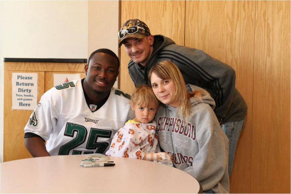 LeSean McCoy 2012 PS Hershey Hospital Visit 8.jpg