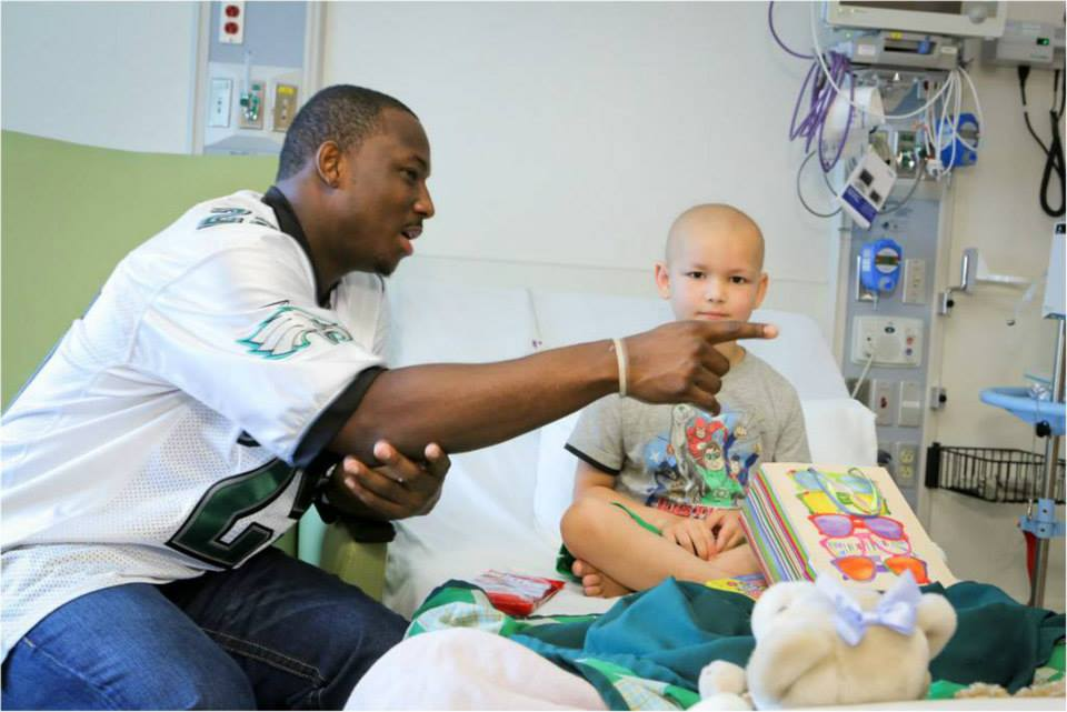 LeSean McCoy 2013 PS Hershey Hospital Visit  12.jpg