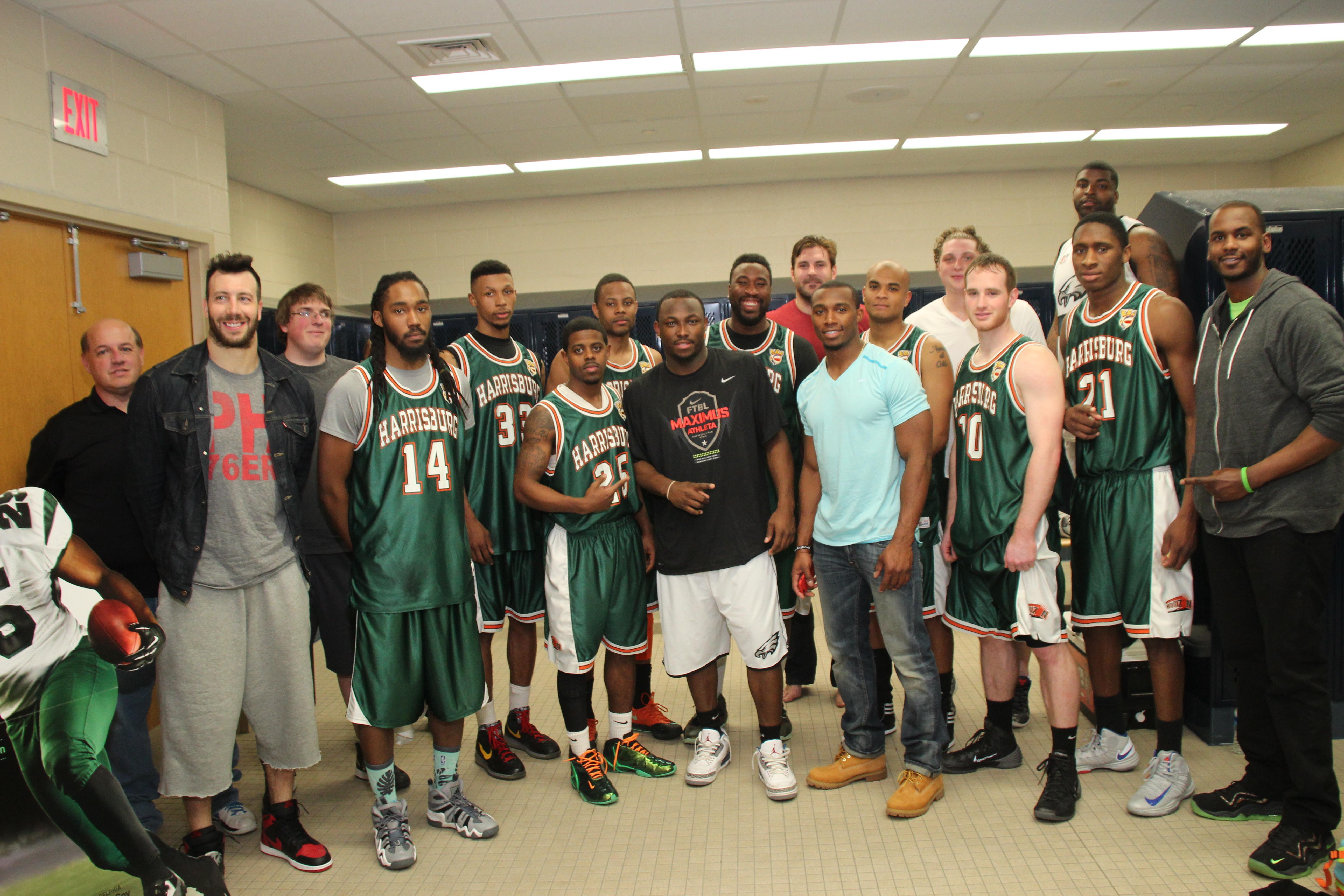 LeSean McCoy 2014 Charity Basketball Game 11.JPG
