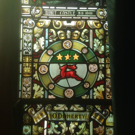 Image - Arms in Dery Guildhall (by Sandr