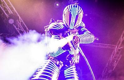 LED Roboter Bionic buchen Stripperin buchen Wien, Stripper buchen Wien, Stripshow, Gogos buchen, Limousinenstrip, Erotikshow, Junggesellenabschied, Striperin buchen, Girlstrip, Menstrip