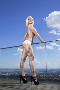Stripperin Mina Reiter buchen