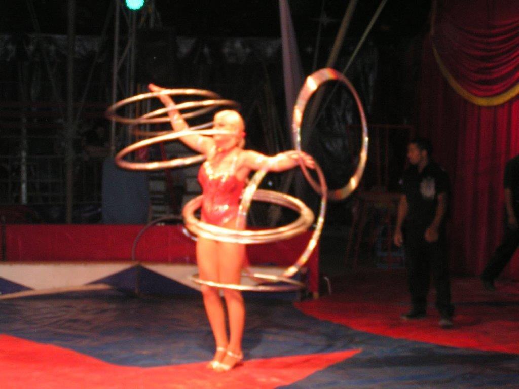 Artistik Hula Hoop Show buchen