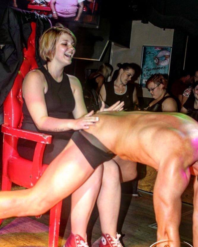 Stripper buchen Mario