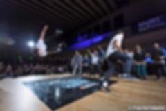 Breakdance Crew buchen Stripperin buchen Wien, Stripper buchen Wien, Stripshow, Gogos buchen, Limousinenstrip, Erotikshow, Junggesellenabschied, Striperin buchen, Girlstrip, Menstrip