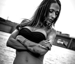 Stripperin Angel Jade buchen
