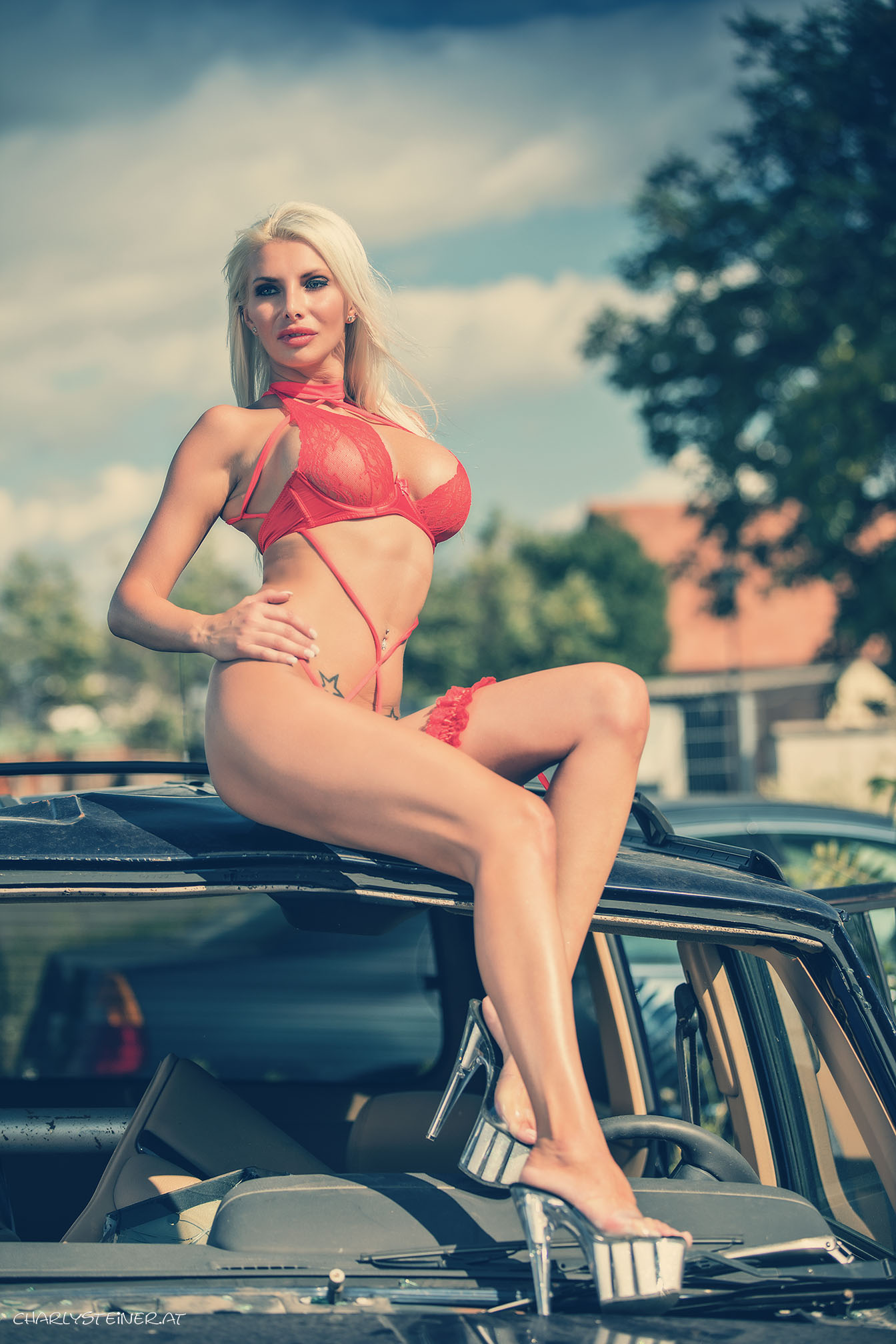 Stripperin Emanuela  buchen