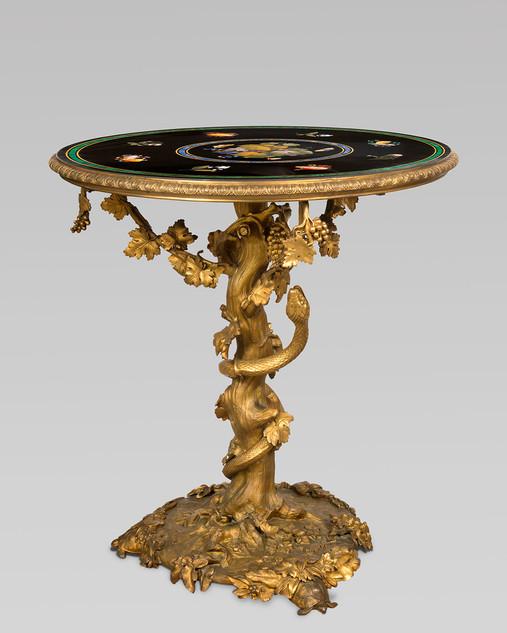 Guéridon en bronze doré