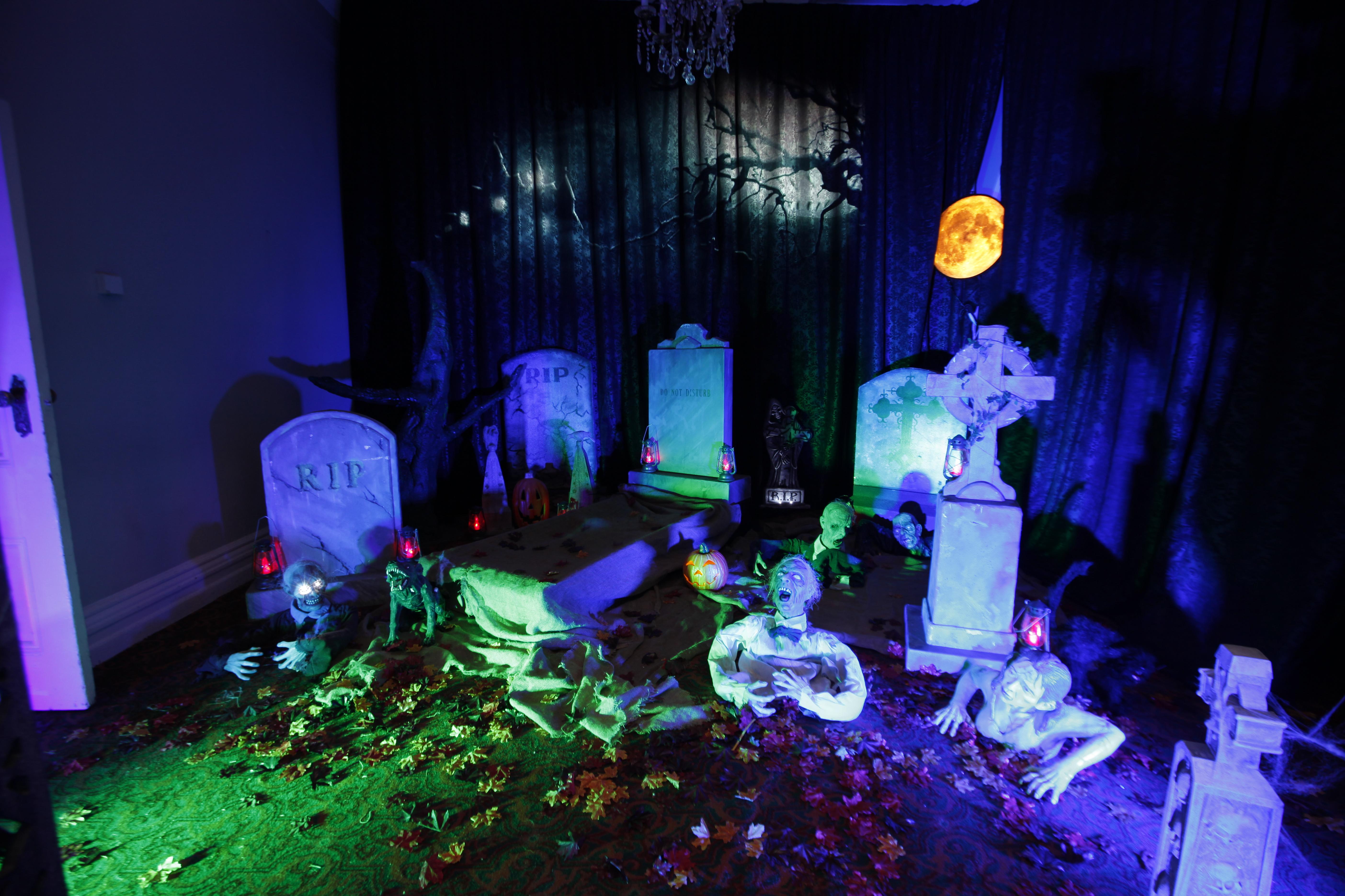 Graveyard props Gravestones