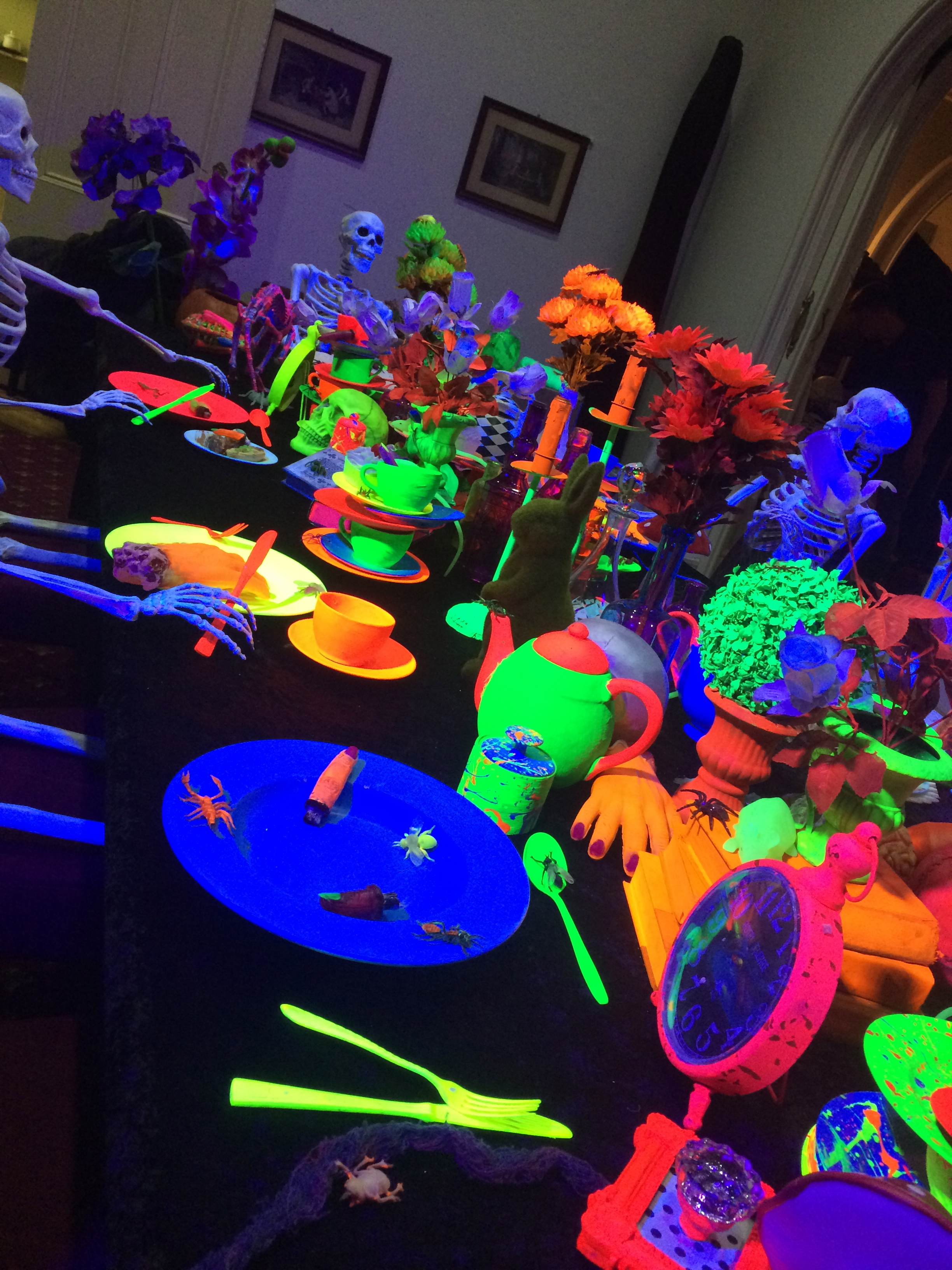 Glow Theme Table Setting