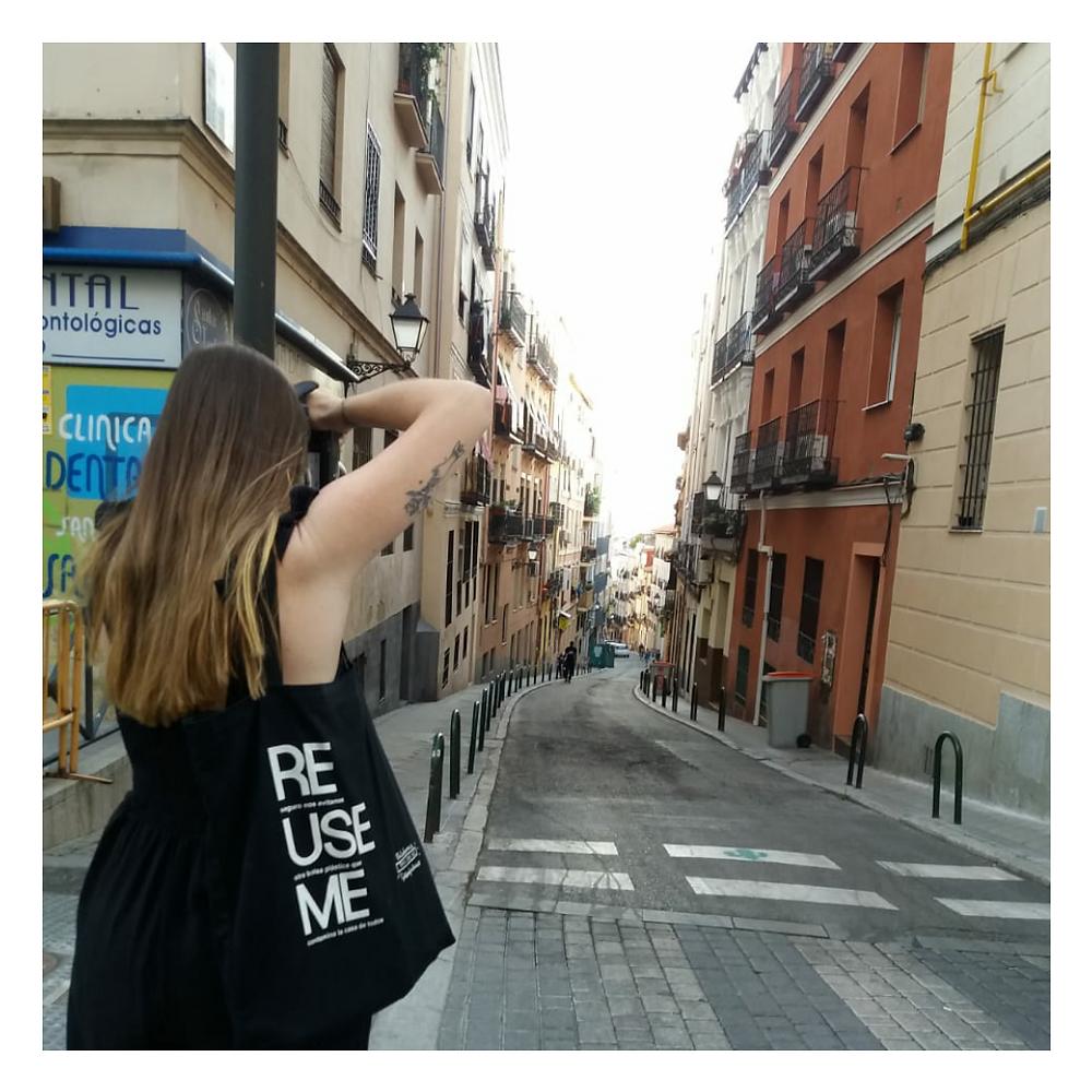 Foto de una foto por Madrid