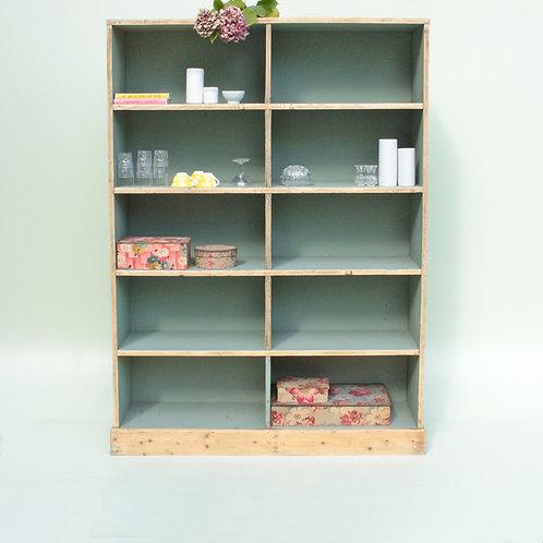 Meuble casier d'usine en bois