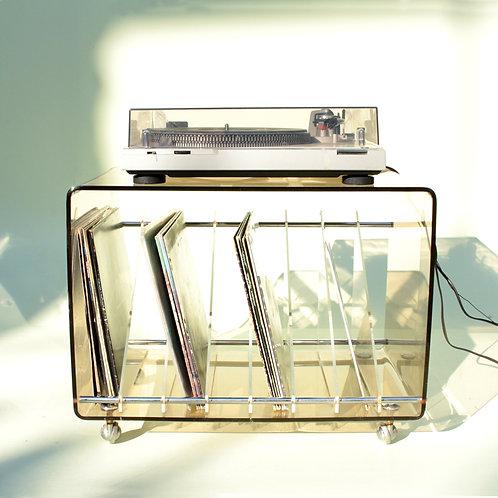 Range vinyles Plexiglas fumé années 70 par Michel Dumas