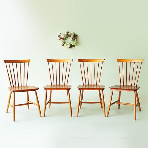 Série de 4 chaises scandinaves, édition Hagafors Sweden