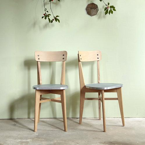 2 chaises années 50 bois et balatum