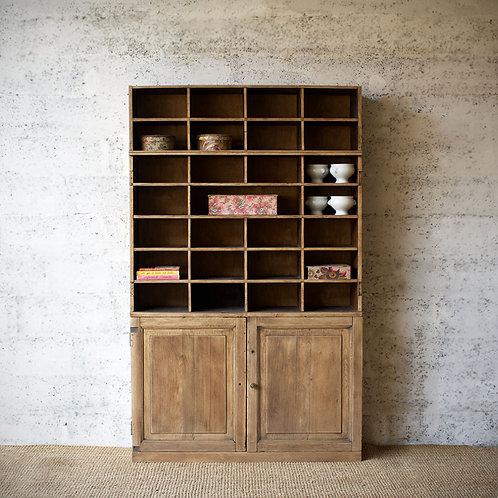 Ancien meuble de notaire 34 cases