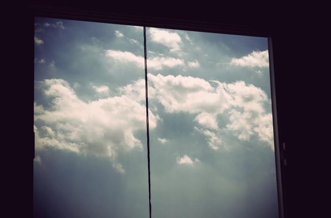 Fecho tudo no mundo, só fico aberta no céu