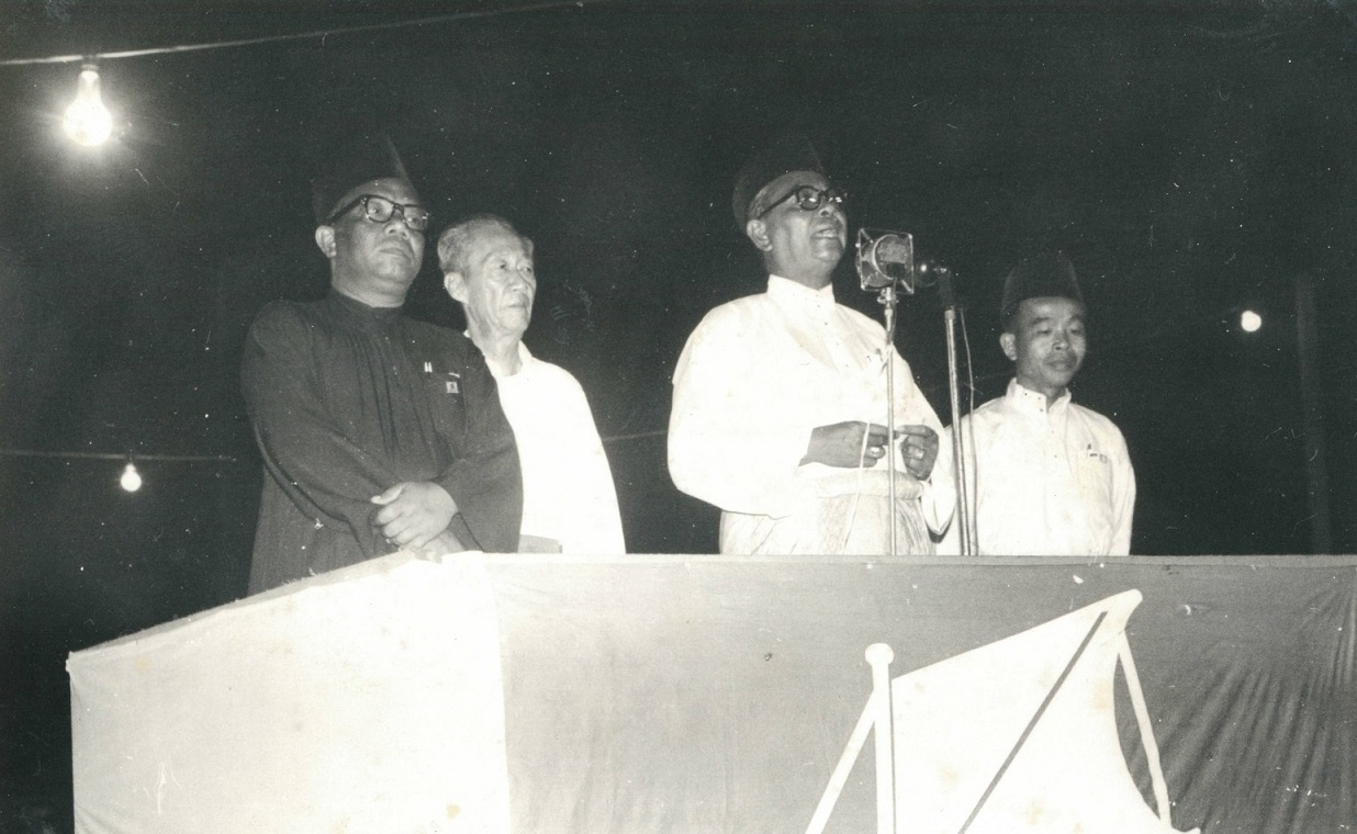 Tunku Abdul Rahman speaking at Rally