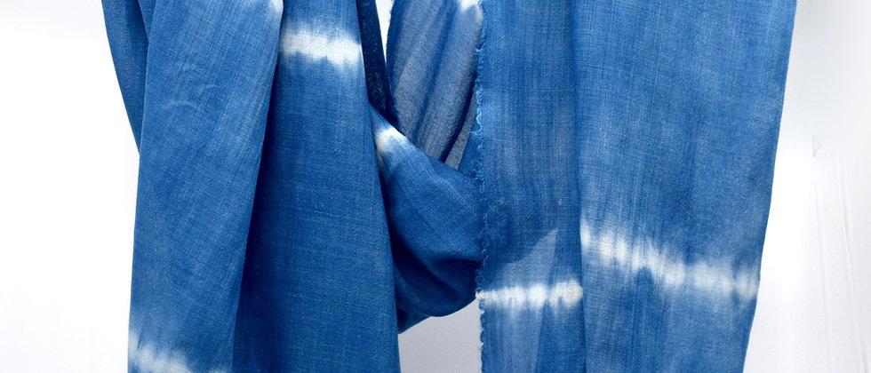 Etole Indigo- étamine de laine et soie - teinture artisanale