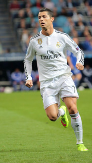 Ronaldo_vs._FC_Schalke_04_(16854146922).jpg